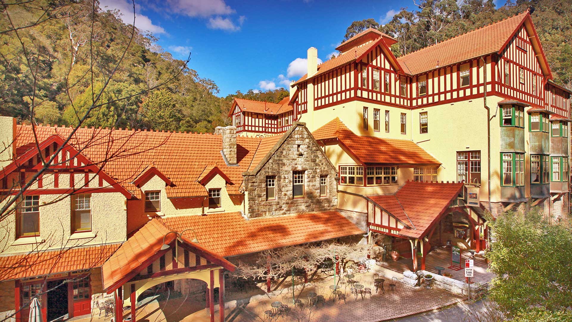 Accommodation - Jenolan Caves House | Visit Oberon